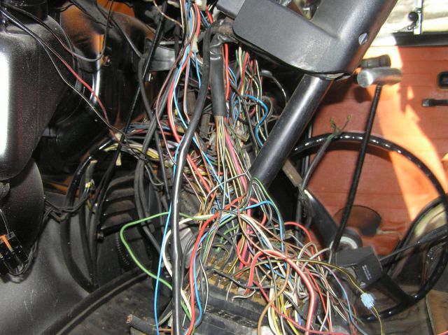 859_Vw_Bus_020_1 athensvwclub com view topic 1974 bus wiring harness need help vw bus wire harness at crackthecode.co